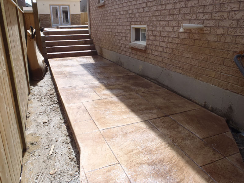 Backyard-Concrete-Construction-Contractor-3