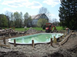 Backyard-Pool-Construction-Contractor-1