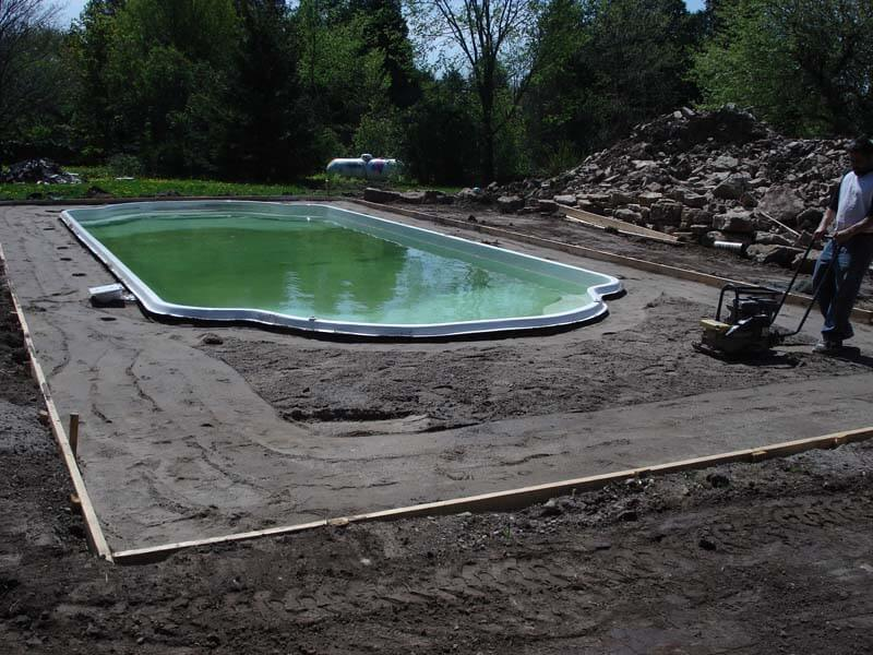 Backyard-Pool-Construction-Contractor-14