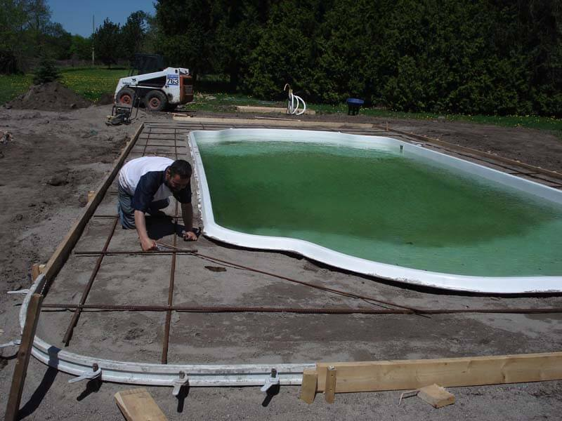Backyard-Pool-Construction-Contractor-15