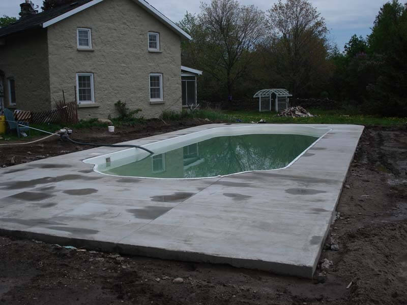 Backyard-Pool-Construction-Contractor-18