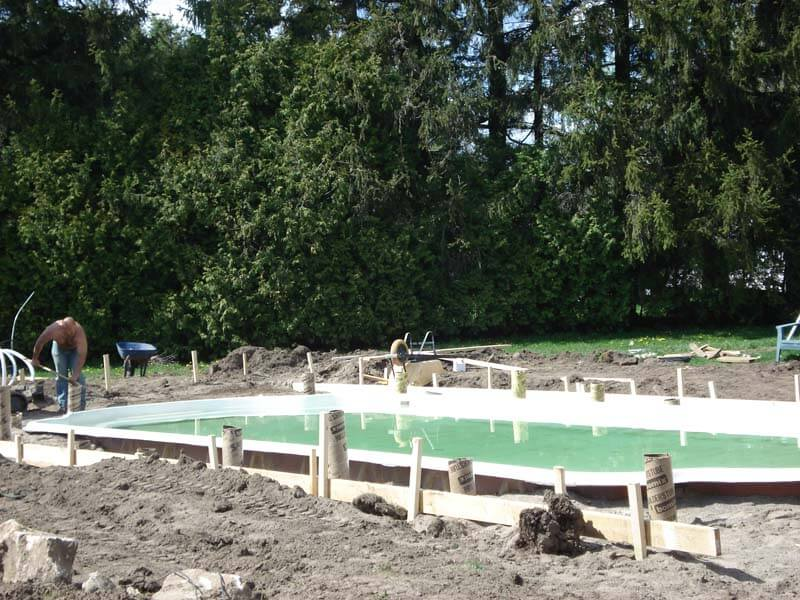 Backyard-Pool-Construction-Contractor-4