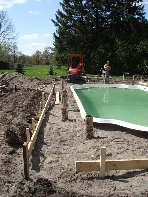 Backyard-Pool-Construction-Contractor-5